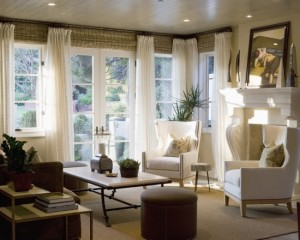 lovely-roman-blinds-and-curtains-together-for-your-cozy-living-room-with-comfortble-white-bench